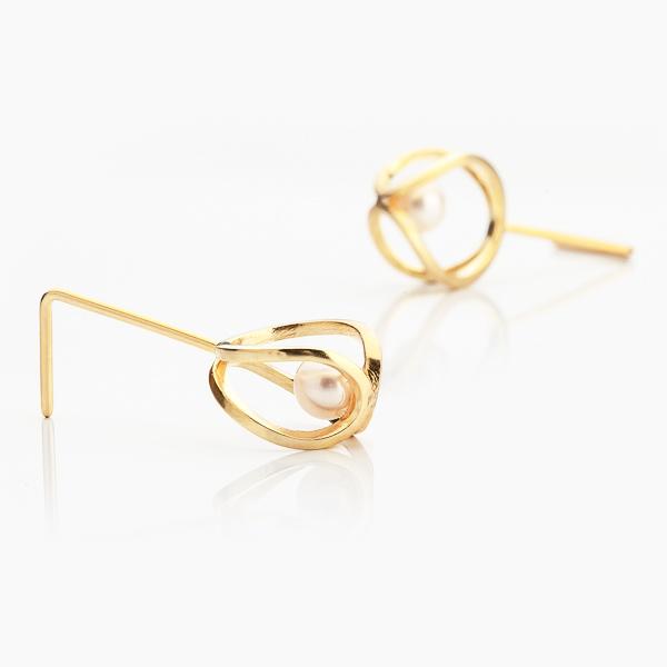 Náušnice Infinity inspirované nekonečnem s perlou v pozlacené variantě