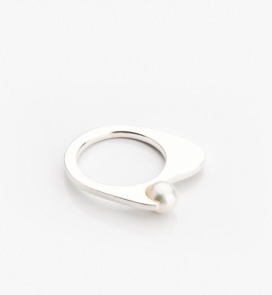 Ruční výroba tohoto prstýnku dodá punc originality.