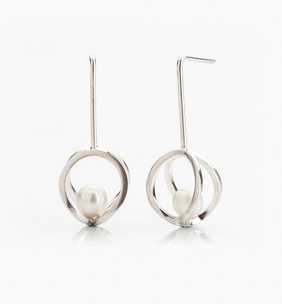 Autorské náušnice ze stříbra s perlou
