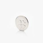 Markovátko ze stříbra se čtyřlístkem pro štěstí.