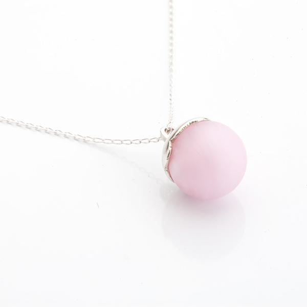 Stříbrné šperky ručně vyrobené se sklem.